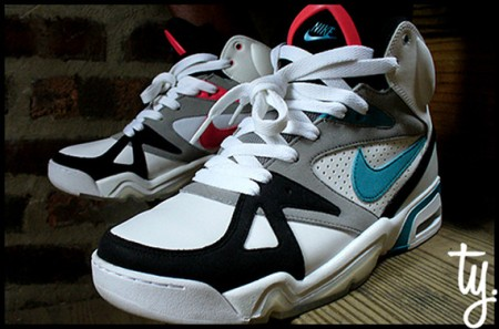 nike-air-hoop-structure-og-triax-colorway-1